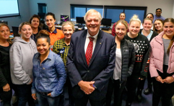 Governor Beazley stands with Womein in Engineering students